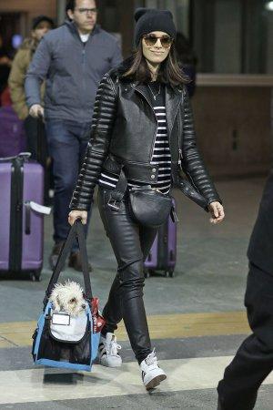 Abigail Spencer arrives back into Vancouve