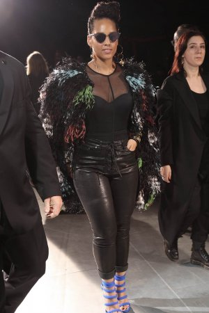 Alicia Keys attends the Yohji Yamamoto fashion show