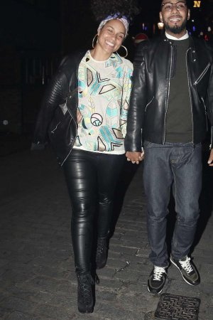 Alicia Keys leaving the Novikov Restaurant