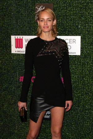 Amber Valletta attends The Women's Cancer Research Fund hosts