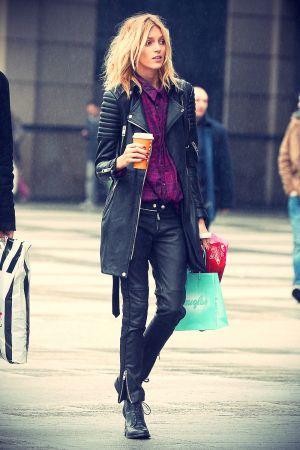 Anja Rubik Christmas shopping in Warsaw