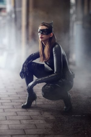 Anne Hathaway as Catwoman fake
