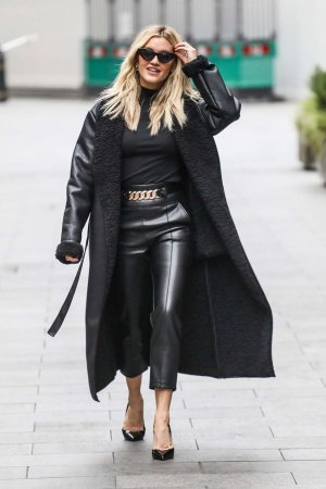 Ashley Roberts leaving Global Studios in London