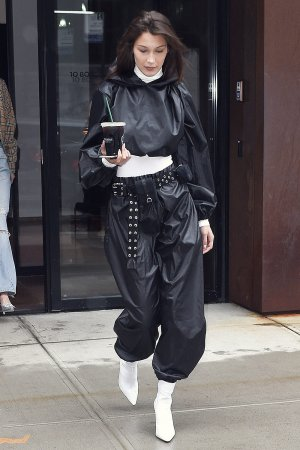 Bella Hadid seen at Gigi's apartment