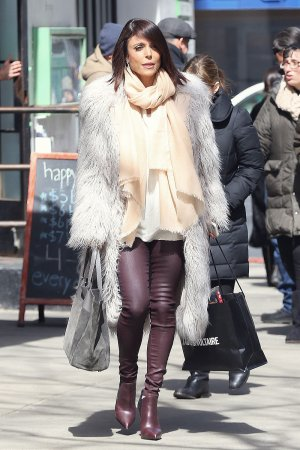 Bethenny Frankel shopping in New York