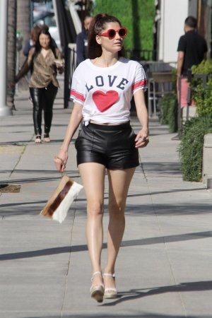 Blanca Blanco stops by Anastasia Beverly Hills