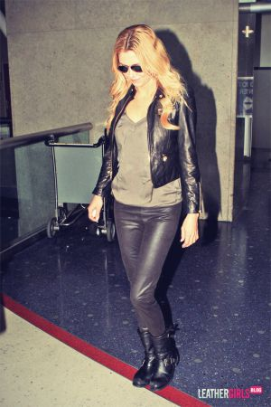 Brandi Glanville makes her way through LAX