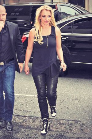 Britney Spears head out for lunch at Hakkasan restaurant