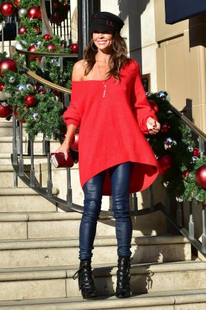Brooke Burke at Holiday Shopping on Small Business Saturday