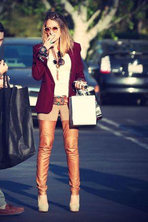 Brooke Mueller shopping at Fred Segal