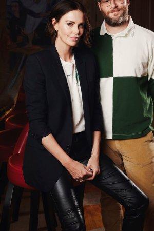 Charlize Theron - Long Shot Portrait Session