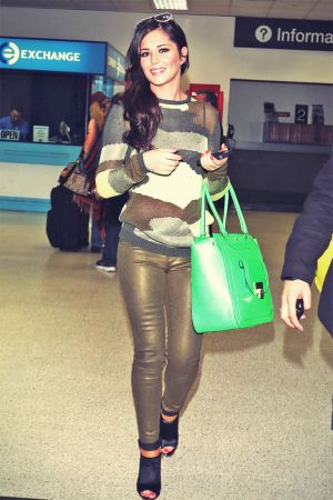 Cheryl Cole At Airport in Hawaii