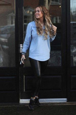 Chloe Meadows seen leaving hair salon SNM hair