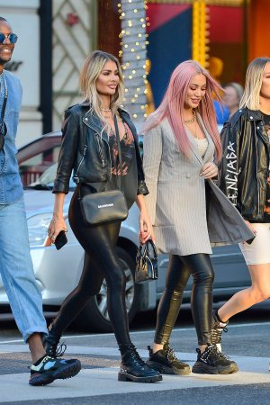Chloe Sims shopping on Rodeo Drive