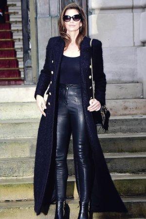 Cindy Crawford attends Balmain Menswear