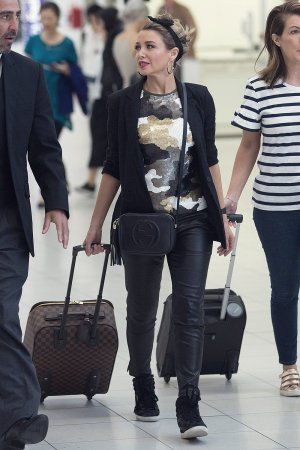 Dannii Minogue at Adelaide airport