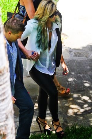 Demi Lovato heads to the hotel