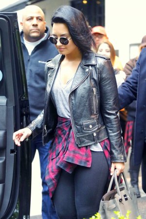 Demi Lovato leaving her hotel in New York