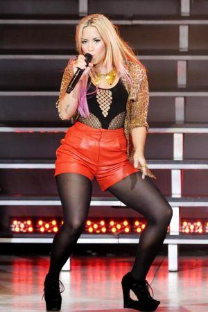 Demi Lovato performance candids