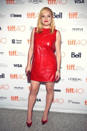 Elisabeth Moss attends the High-Rise premiere