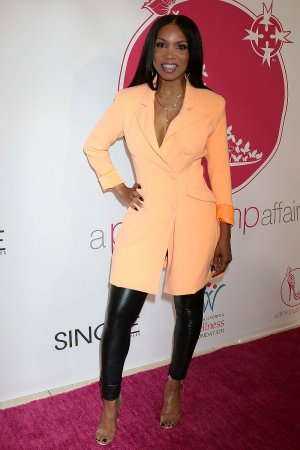 Elise Neal attends 11th Annual A Pink Pump Affair