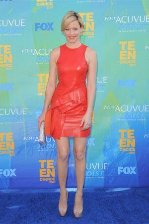Elizabeth Banks at Teen Choice Awards 2011
