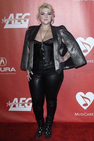 Elle King attends 59th GRAMMY Awards