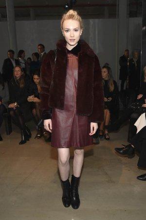 Emily Ruhl attends the Carolina Herrera Collection fashion show