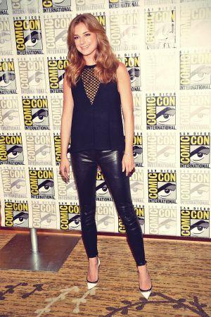 Emma VanCamp attends 2013 Comic-Con