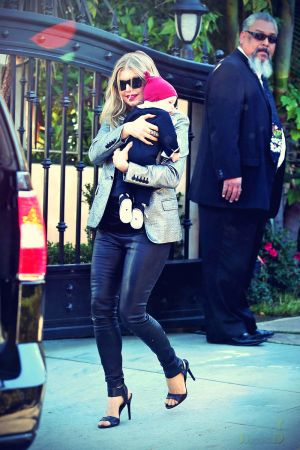 Fergie heads to a Christmas Day family gathering