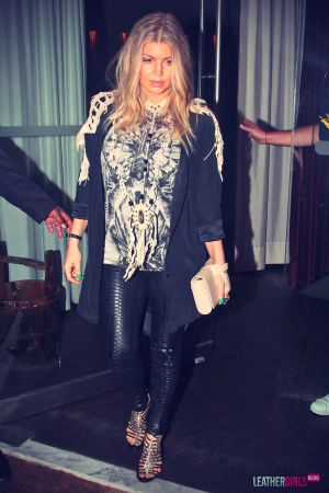 Fergie keeps it fierce while arriving at Gero Restaurant