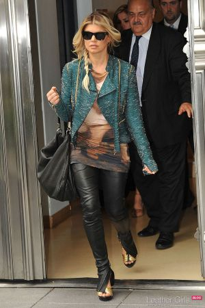 Fergie leaving the Fouquet's Barrière Hotel in Paris and arriving for a flight at LAX airport