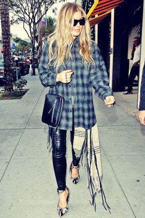 Fergie shopping In Beverly Hills