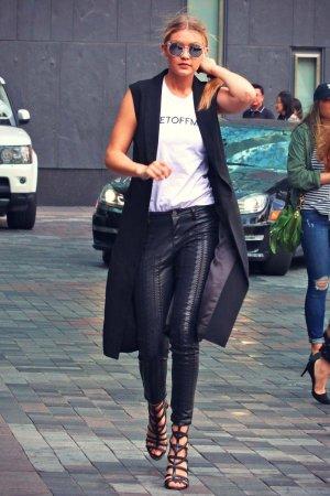 Gigi Hadid at her Hotel in Toronto