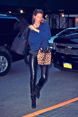 Gisele Bundchen arrives back to her hotel