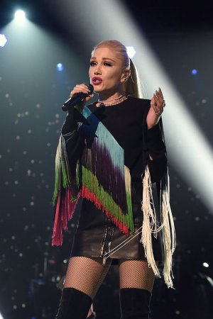 Gwen Stefani performs at One Voice Somos Live