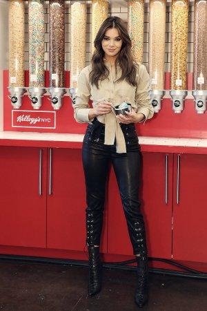 Hailee Steinfeld at Kellogg's NYC Cafe