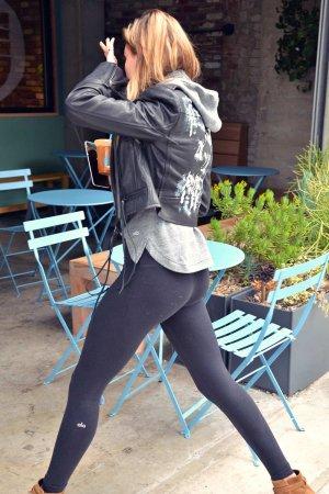 Hailey Baldwin grabbing coffee in Beverly Hills