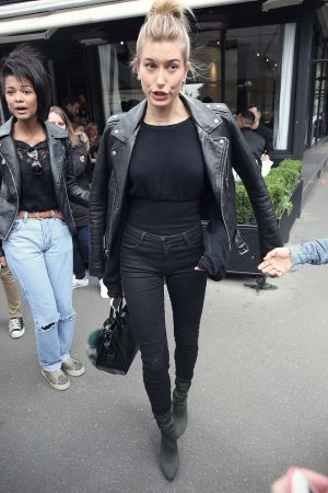 Hailey Baldwin leaving LAvenue Restaurant