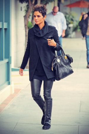Halle Berry arriving for a doctor appt. in West Hollywood