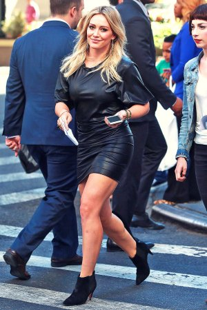Hilary Duff is spotted on the set of the TV series Younger filming
