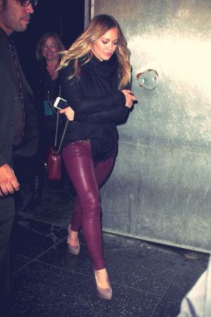 Hilary Duff leaving Jonas Brothers concert