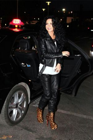 Inna arrives at TV Show Bienvenue chez Cauet in Paris