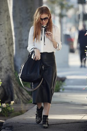 Isla Fisher lunch meeting in Beverly Hills