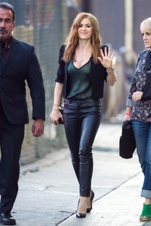 Isla Fisher seen arriving at the ABC studios for Jimmy Kimmel Live!