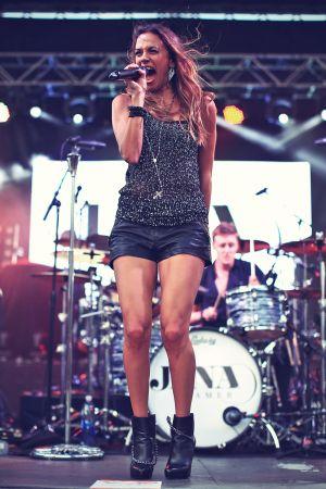 Jana Kramer attends Rodney Atkins 4th Annual Music City Gives Back Nashville