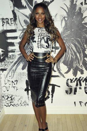 Jasmine Tookes attends Victoria Secret Fashion Show