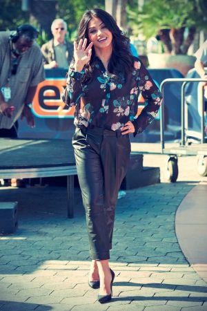 Jena Dewan on Extra at Universal Studios Hollywood