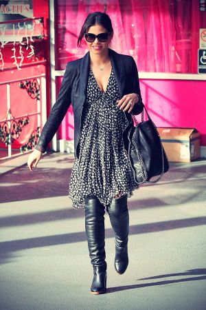 Jenna Dewan leaves the Plush Beauty Bar