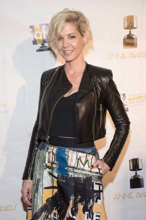 Jenna Elfman arrives to the 44th Annual Annie Awards